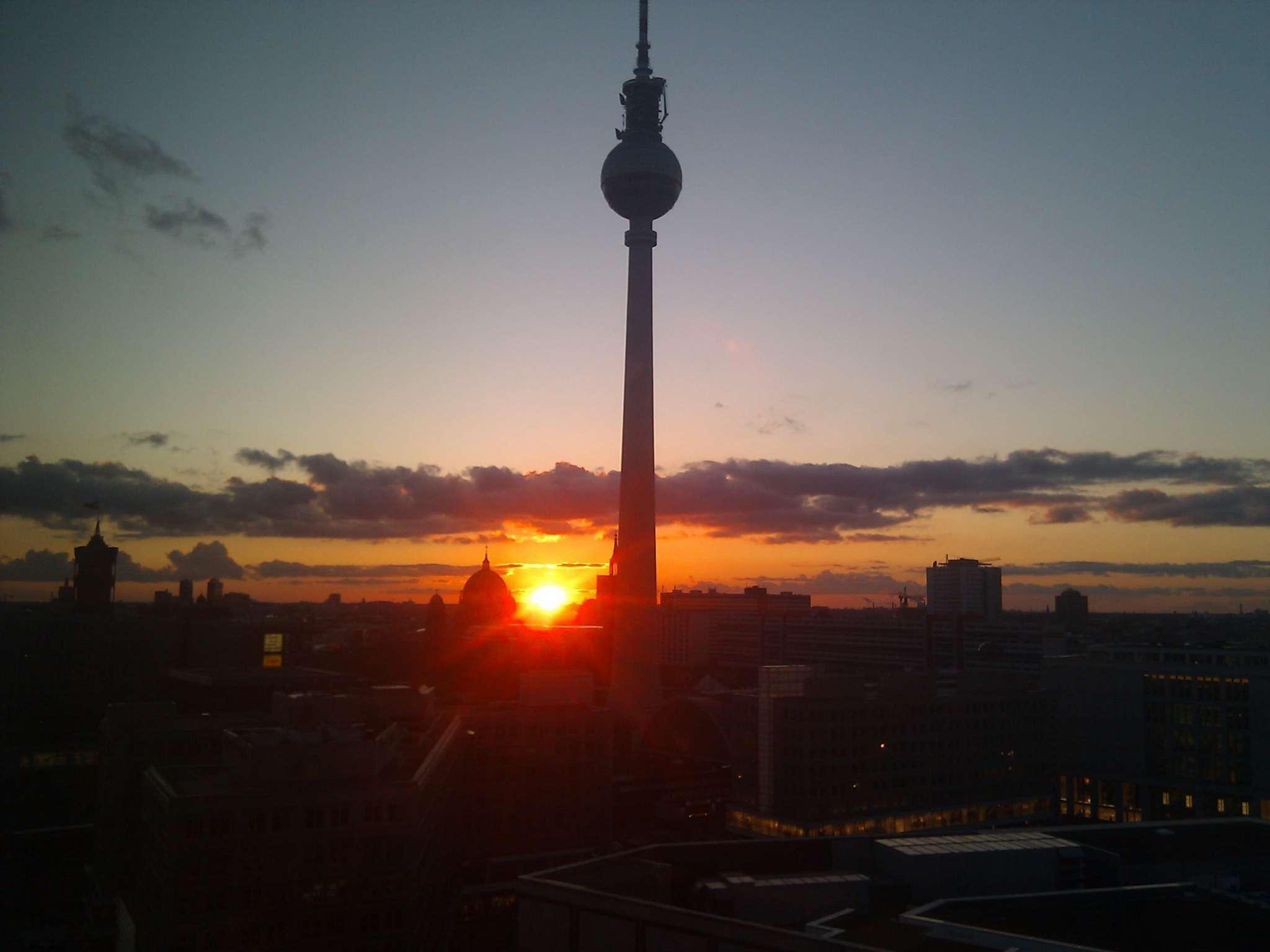 Fernsehturm sunrise