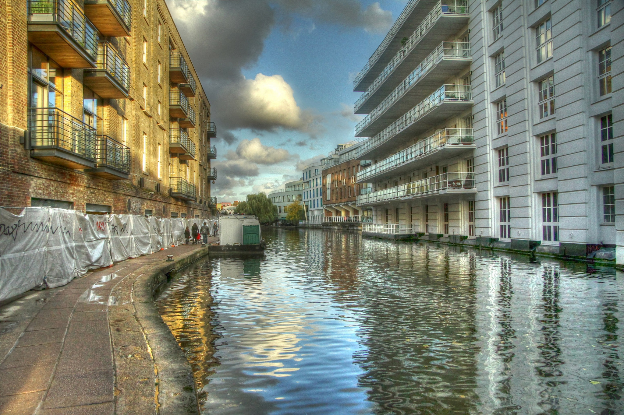 Regents Canal Towpath, Camden. HDR.