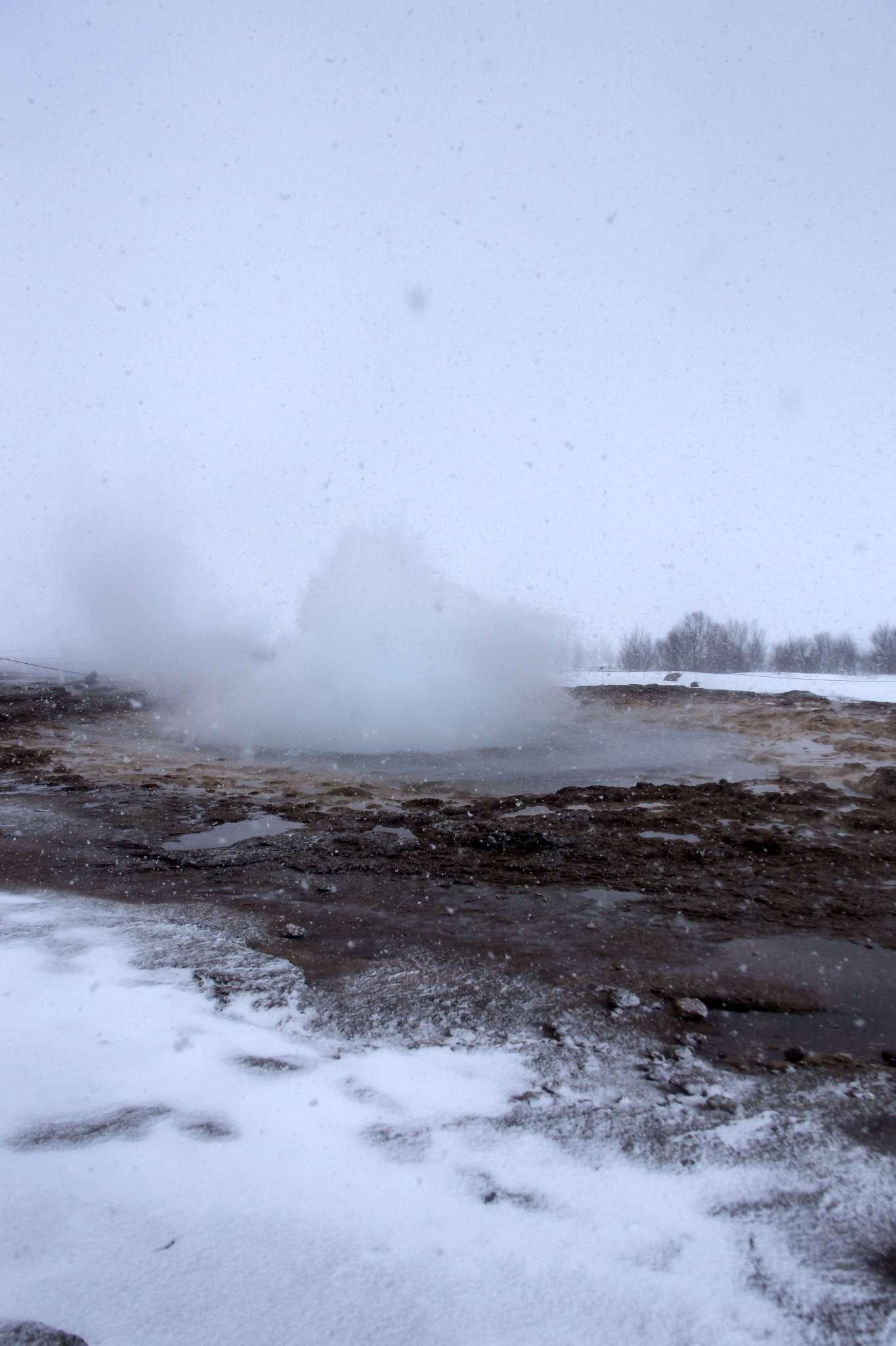 A geyser at Geysìr