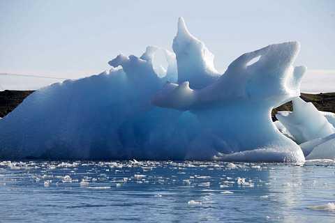 Iceberg in Jökulsárlón by Scott Joyce