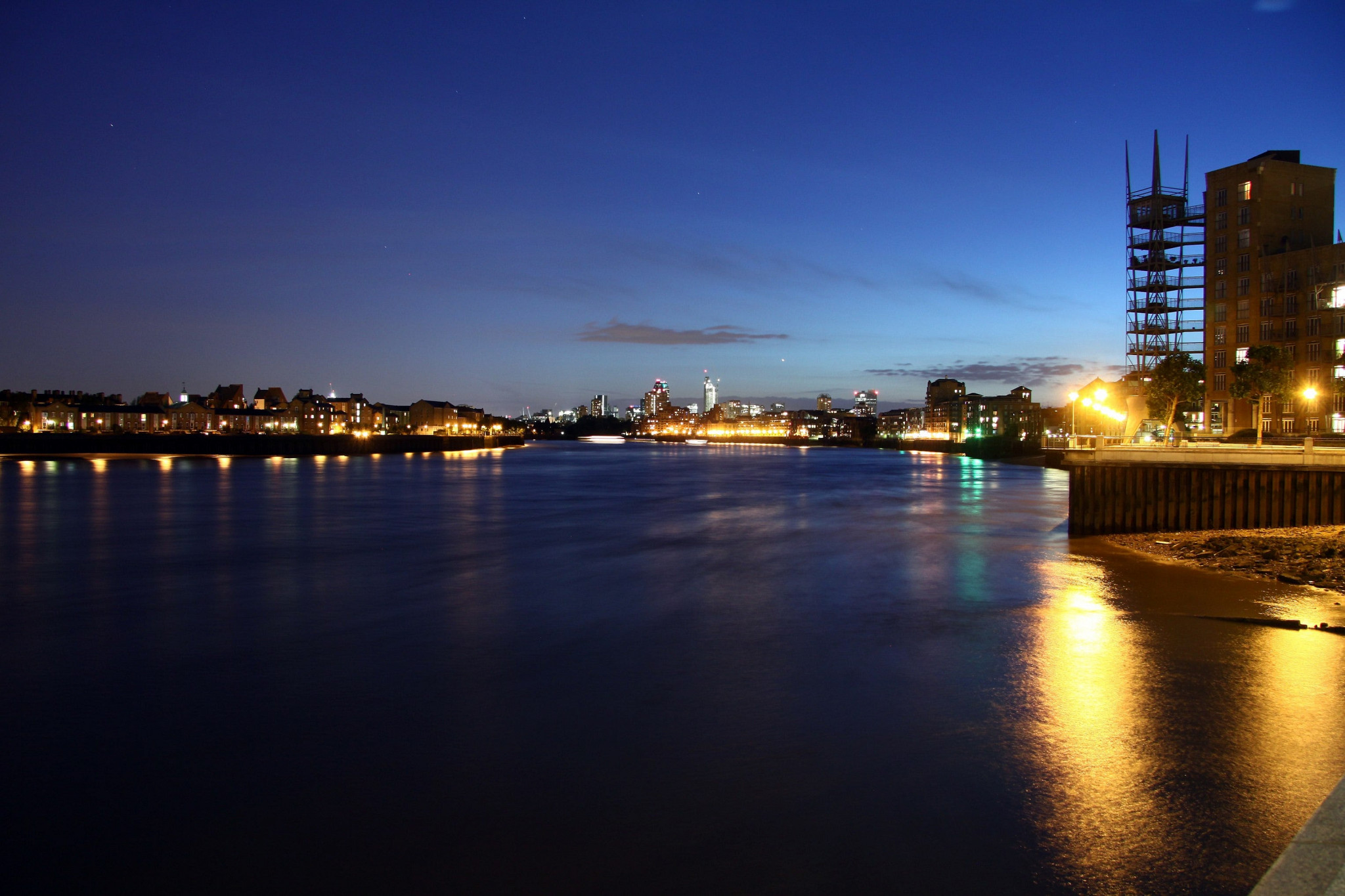 Long exposure over the thames