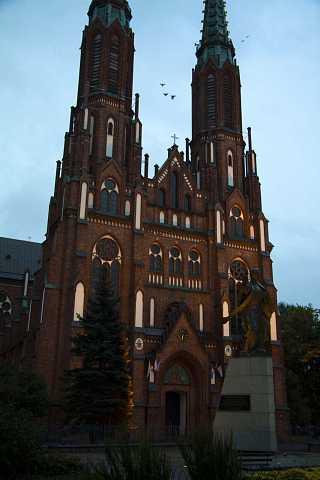 Kościół Św. Michała Archanioła i Św. by Scott Joyce