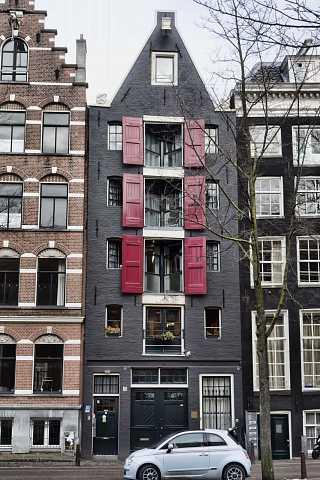 Narrow house by Scott Joyce