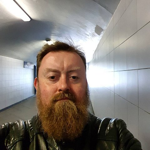 Tunnel vision #hidingfromthesun #beard #instabeard by Scott Joyce
