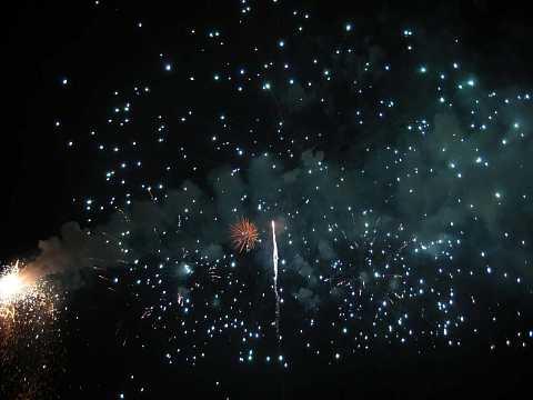 fireworks 220 by Scott Joyce